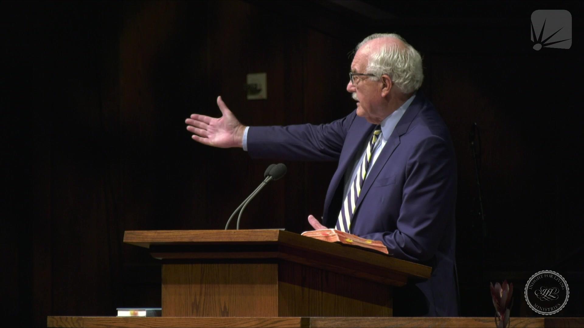 Dr. Steve Farrar Preaching