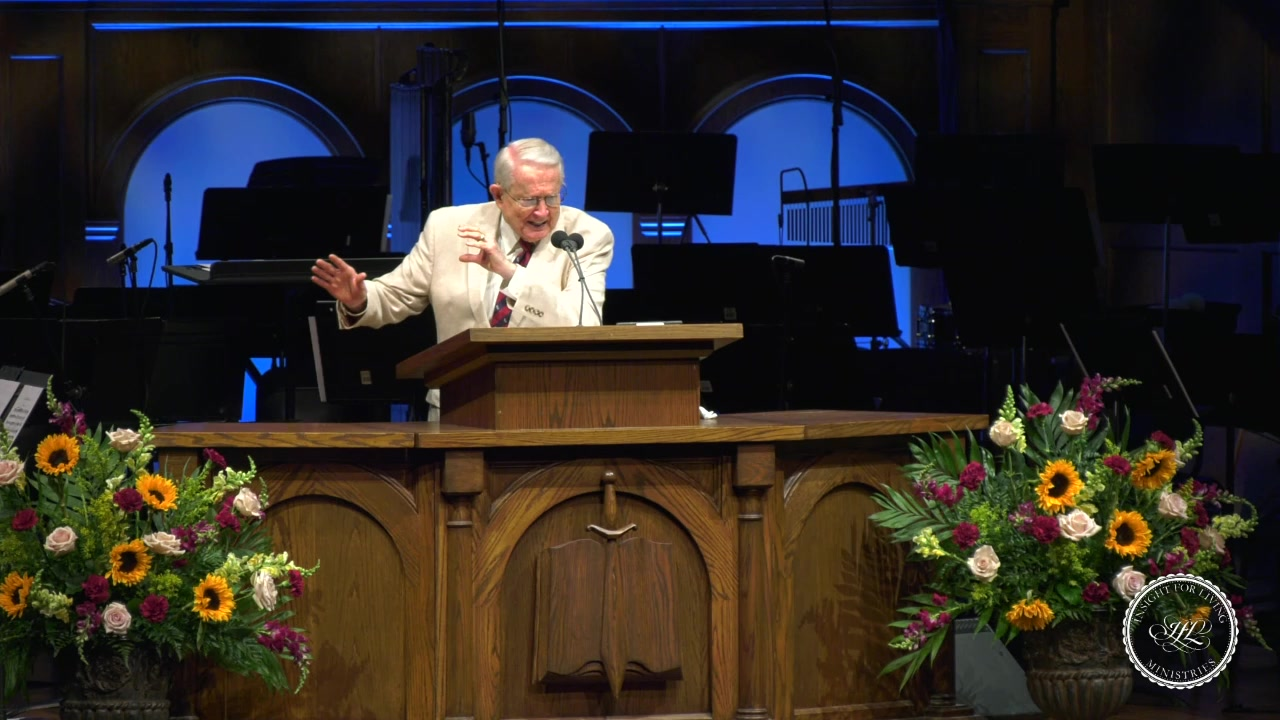 Chuck in pulpit on June 23, 2019