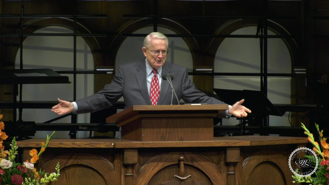 Chuck in pulpit 20191027